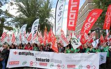 Más de 300 personas se concentran en Valladolid para pedir más empleo público