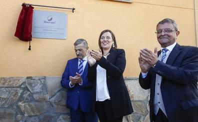 Iberavi invierte ocho millones en la nueva planta incubadora de Alija del Infantado y crea 35 puestos de trabajo