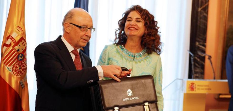 Montero fija como prioridad elaborar los Presupuestos de 2019