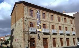 El Centro de Interpretación de las Tierras Bañezanas acoge la exposición «Concha Espina: Inspiración de artistas»