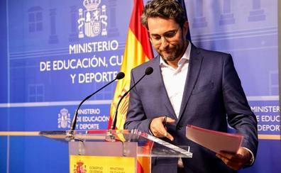 Màxim Huerta dimite para «evitar que una jauría destroce este proyecto»