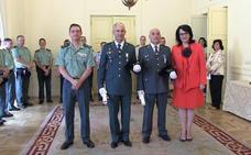Medallas por la entrega a León