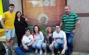 La Agrupación Local del PSOE de Cacabelos inaugura su nueva sede a pie de calle