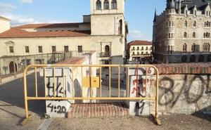 El PSOE exige medidas de seguridad y mantenimiento de las murallas