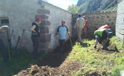La Asociación para la Recuperación de la Memoria Histórica inicia en Canseco la exhumación de tres milicianos enterrados en una fosa
