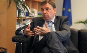 El Ministro de Agricultura ve «bien» los planes nacionales de la PAC, pero quiere discutir «los detalles»