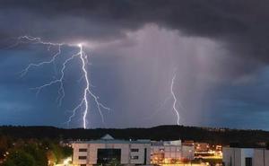 La Aemet activa los avisos por tormentas en la provincia de León