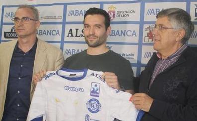 Carrillo, «ansioso» por volver a la Champions con el Abanca Ademar
