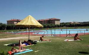 Las piscinas municipales de La Palomera y Sáenz de Miera abren el sábado la temporada de verano