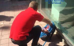 Falsa alarma en la calle Capitán Cortés de León por la presencia de una mochila abandonada