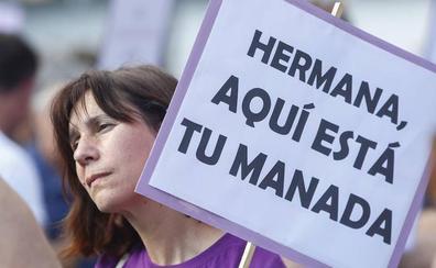 León condena la puesta en libertad de los «cinco violadores» de la Manada