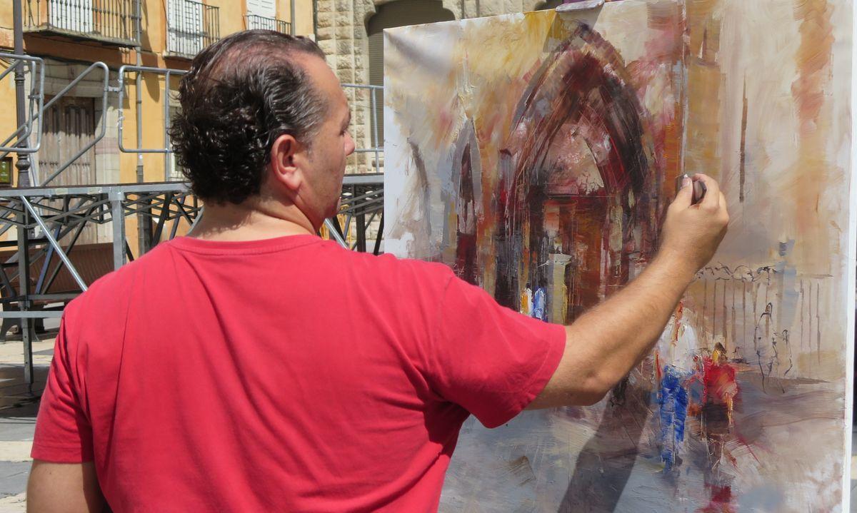 La pintura rápida se deja ver a los pies de la Catedral