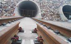 Adif licita por 8,9 millones la instalación del ancho mixto en la Variante de Pajares