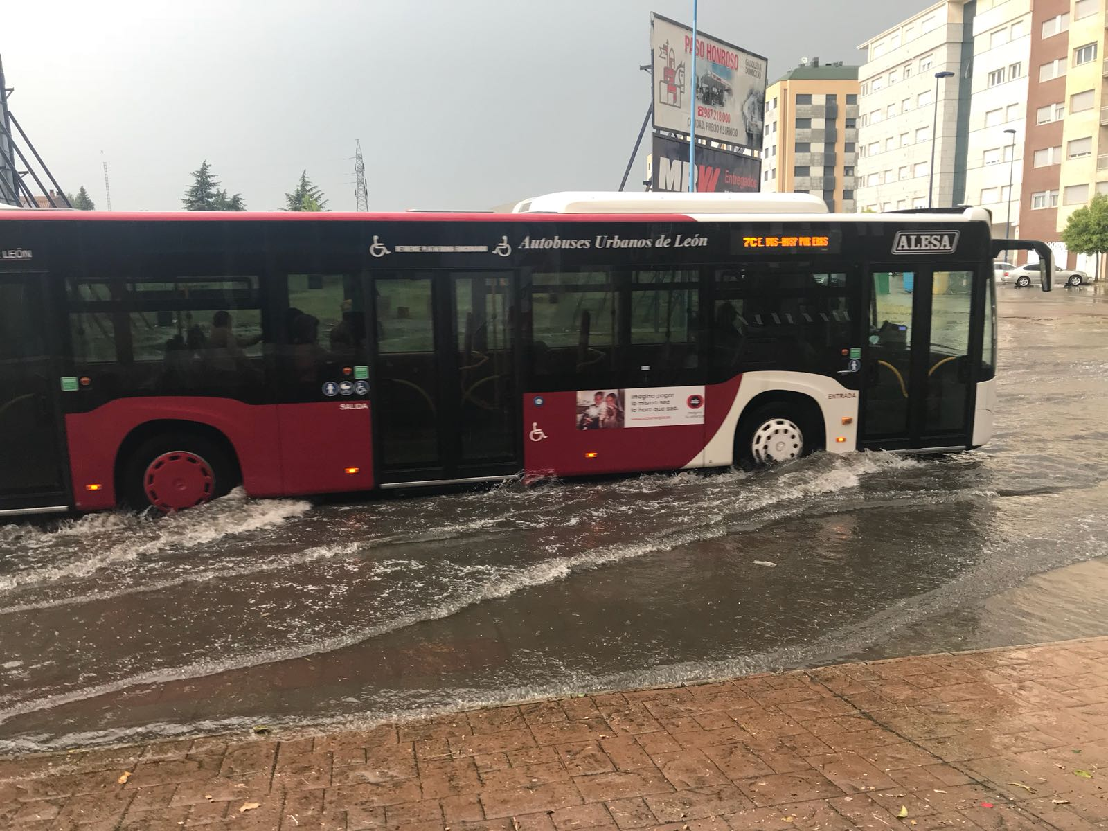 Una gran tormenta sorprende a León y a su alfoz