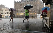Los Bomberos de León reciben alrededor de medio centenar de llamadas por la fuerte tormenta