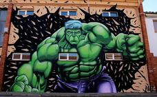 'Hulk' ya luce en el Centro Joven de Navatejera