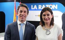 El doctor leonés Pablo Casas recibe el premio al mejor cirujano de rinoplastias