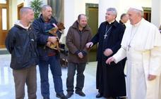 La emotiva historia del cardenal que ayuda a los más pobres: el Papa acaba de premiarlo