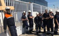Una nueva concentración «masiva» a las puertas de Vestas pide información sobre el futuro de los trabajadores