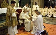 El obispo de León celebra su medio siglo de sacerdocio llamando al «compromiso por la vocación»