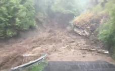 Permanece cortada la carretera que une San Cristóbal de Valdueza y Peñalba
