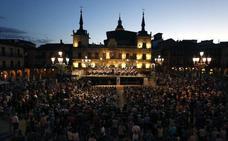 La Plaza Mayor de León acoge este sábado un nuevo concierto de la gira 'Plazas sinfónicas' de la Oscyl