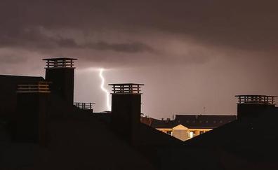 Domingo de tormenta: 414 rayos en León