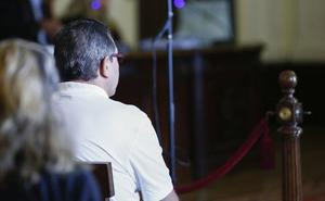 El exalcalde de Cacabelos reitera su inocencia porque dio «el visto bueno» pero no hizo el informe