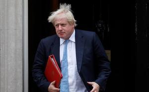 Los ministros del 'Brexit' duro dimiten del Gobierno de May