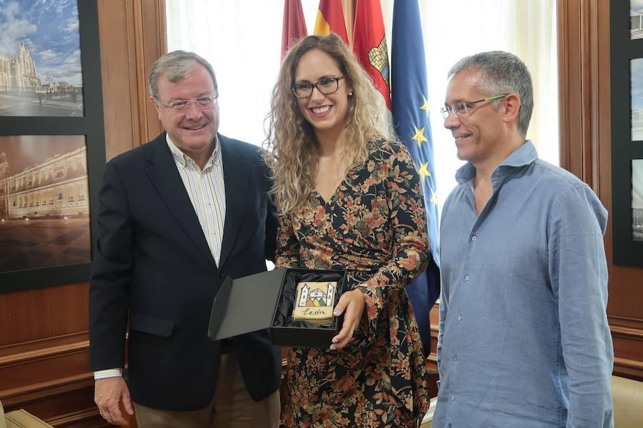 Mireya González brinda su éxito en el balonmano húngaro a León