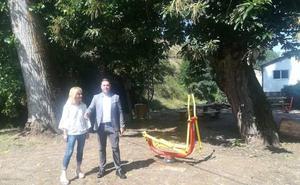 San Esteban de Valdueza estrena un parque de ocio biosaludable tras una inversión de casi 10.000 euros