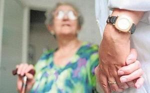 León en Común: «Si la ayuda a domicilio fuera municipal, nos ahorraríamos conflictos con la patronal y corruptelas»