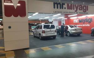 El Corte Inglés de León incorpora el nuevo centro de lavado ecológico de vehículos Mr. Miyagi