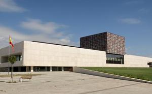 León suspende la gestión de la Junta con Cultura y Turismo rozando el aprobado