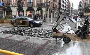 El viernes y el sábado se cortarán las calles Gil y Carrasco y Alfonso V y para asfaltar Ordoño II