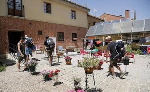 Los albergues privados del Camino de Santiago serán considerados turísticos y se clasificarán con conchas