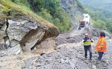 La Diputación de León corta la circulación de la carretera de Peñalba de Santiago hasta garantizar la total seguridad de los usuarios