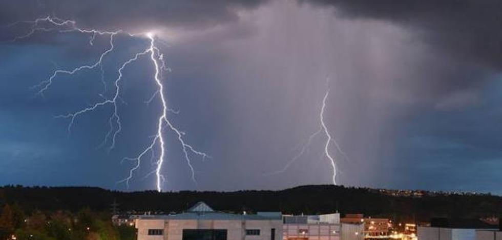 Protección Civil alerta sobre la posibilidad de tormentas con granizo en León