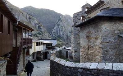Gancedo pide «comprensión» a los vecinos de Peñalba y ve un «error» abandonar la Asociación de Pueblos Más Bonitos de España