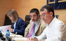 Hernández sentencia que la fusión de las cajas fracasó por los «lobbies provinciales» de PP y PSOE