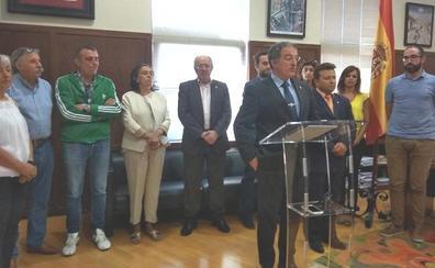 Arsenio García desafía al PP y sigue al frente de Astorga con el apoyo de los populares y el PAL