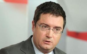 El senador Óscar López asume las riendas de Paradores