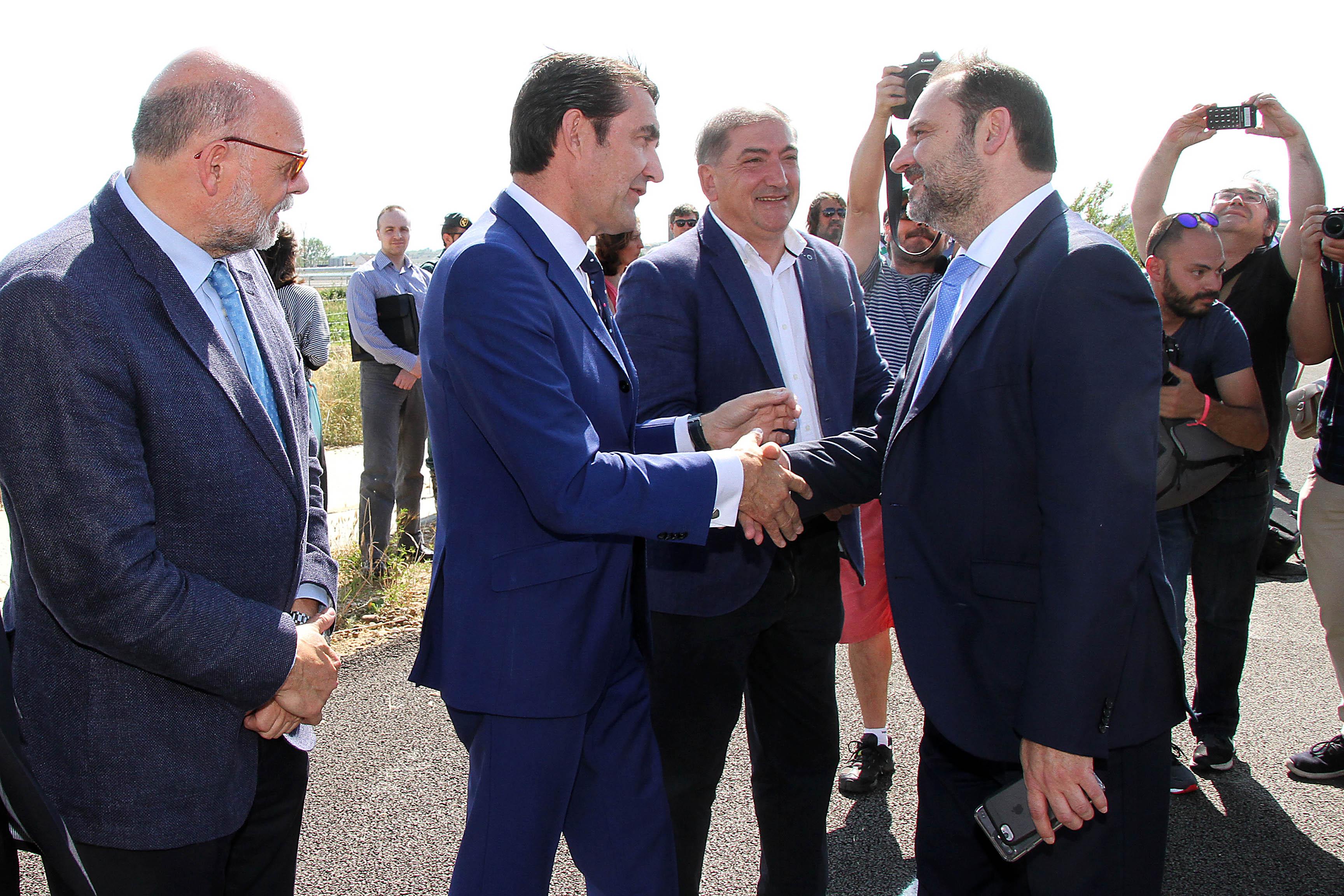 Inauguración de un tramo de la autovía A-60 en Puente Villarente