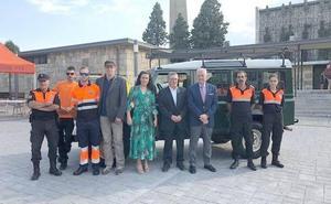 La Junta entrega un Land-Rover al Ayuntamiento de Valverde de la Virgen para la protección civil