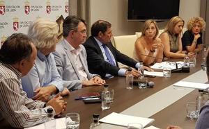La Junta 'se lava las manos', no da solución en verano a la falta de médicos y deja sin Sanidad al Sur de León