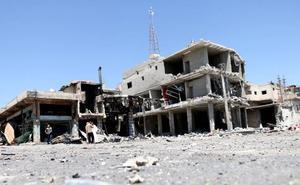 Un grupo yihadista usa a 30.000 civiles como escudos humanos en el sur de Siria