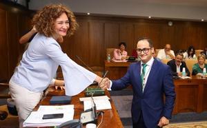 Álvaro Rajo toma posesión como nuevo concejal del PP y ocupa el sillón de Vidal tras su dimisión