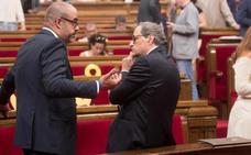 La suspensión de Puigdemont rompe la unidad del frente independentista