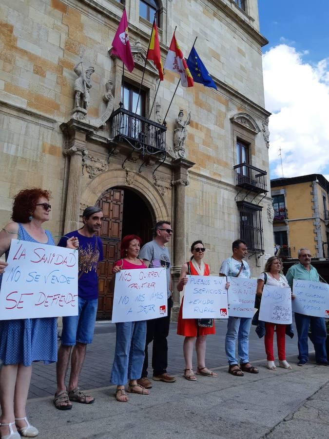IU pide la dimisión de Sáez Aguado y denuncia que las políticas del PP fomentan la despoblación