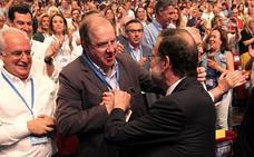 El PP leonés, entre el reconocimiento a Rajoy y la lealtad a quien tome su testigo